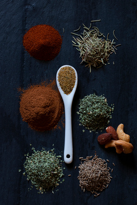 Spices with Spoon 022002